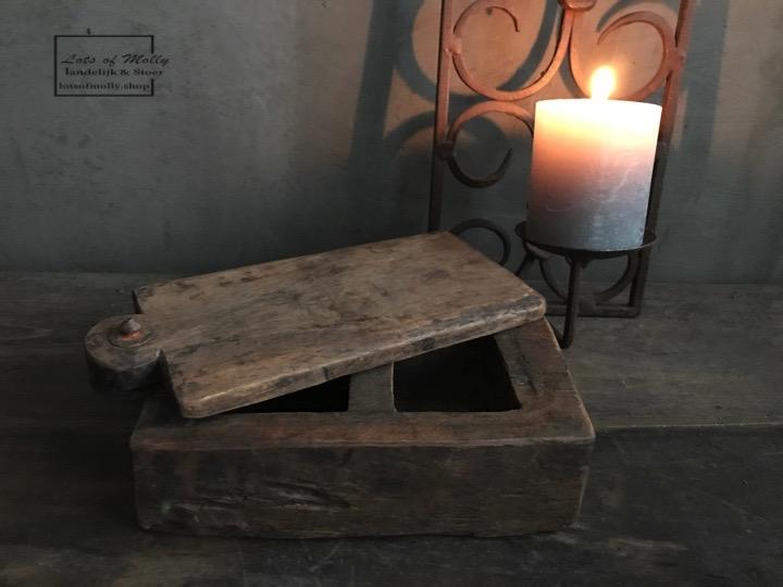Oude spiceboxen uit India