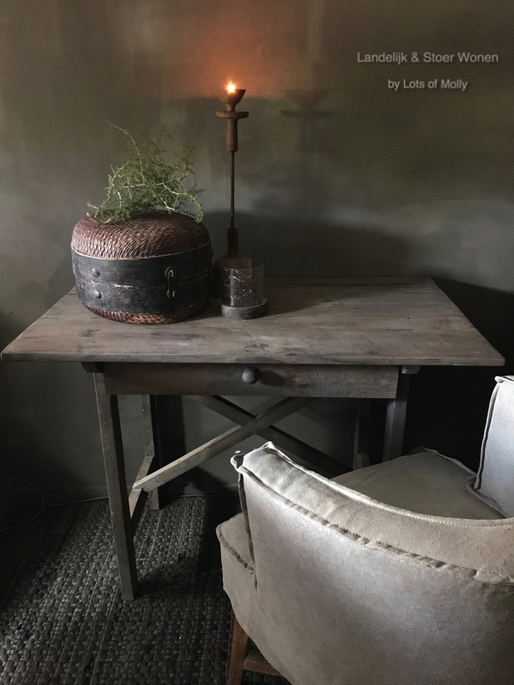 Tafel/bureau/muurtafeltje met een grote lade teakhout