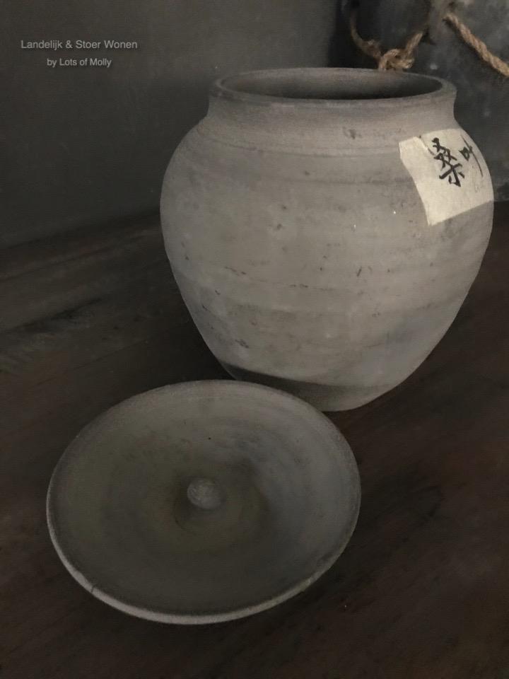 Stenen pot China met deksel