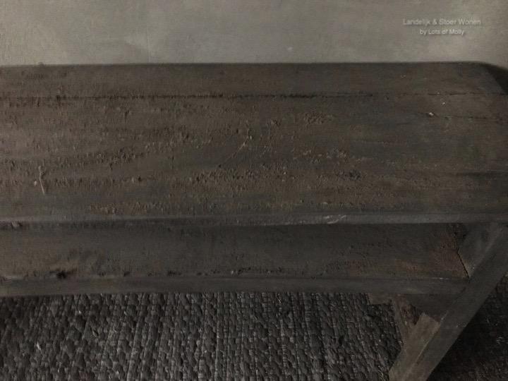 Origineel oud houten schrijverstafeltje uit China van Aura Peeperkorn