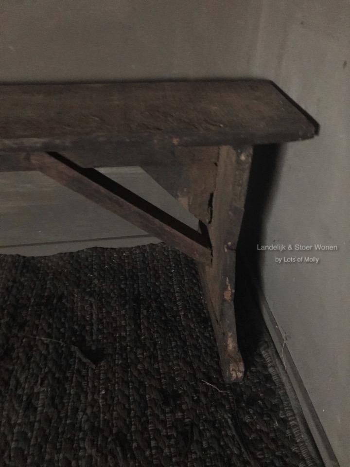 Karaktervolle oud houten bank
